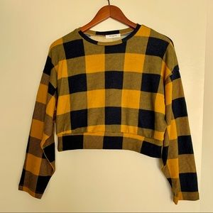 Sweaters - Plaid Cropped Sweater